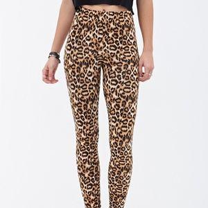 Forever 21 | Leopard Print Leggings size S